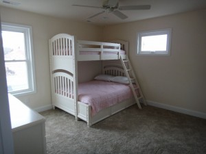 Full and twin bunk w twin trundle